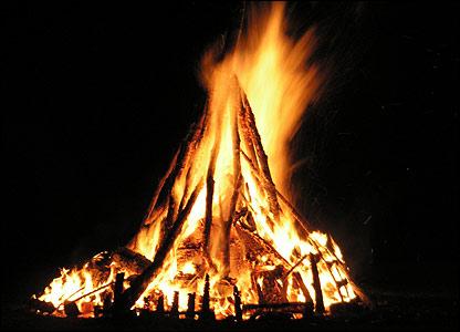 Beltane bonfire1