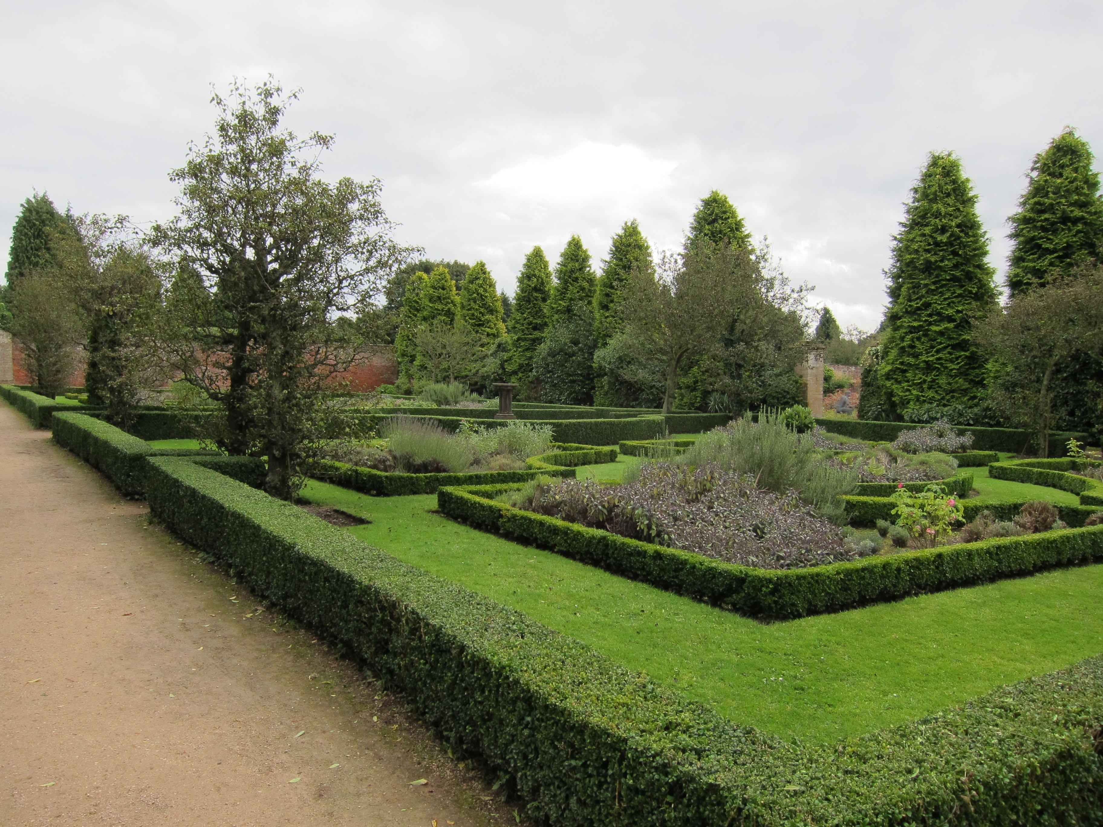 Small Walled Garden 2