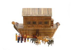 Straw work Noah's ark w animals