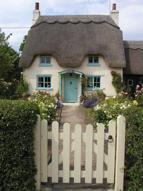 English Cottages Rock Risky Regencies